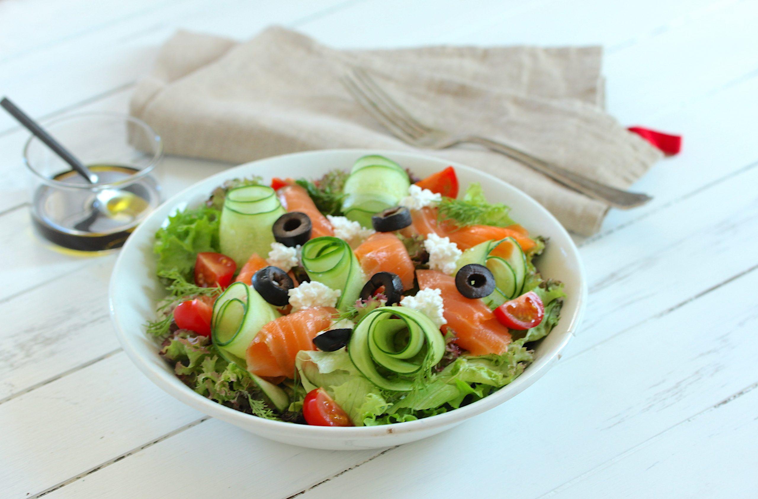 「基本」のサラダの盛り付け
